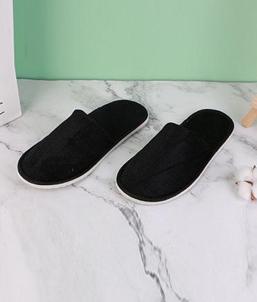 灰色金丝绒拖鞋